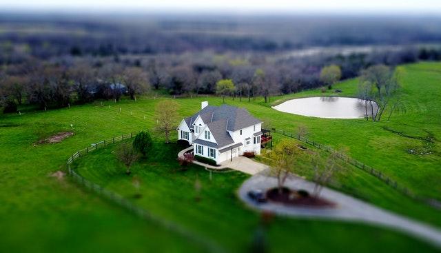 Jak sprzedać dom szybko i za dobrą cenę?