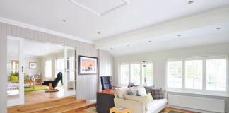 Jak zaaranżować nowoczesne ściany w salonie?